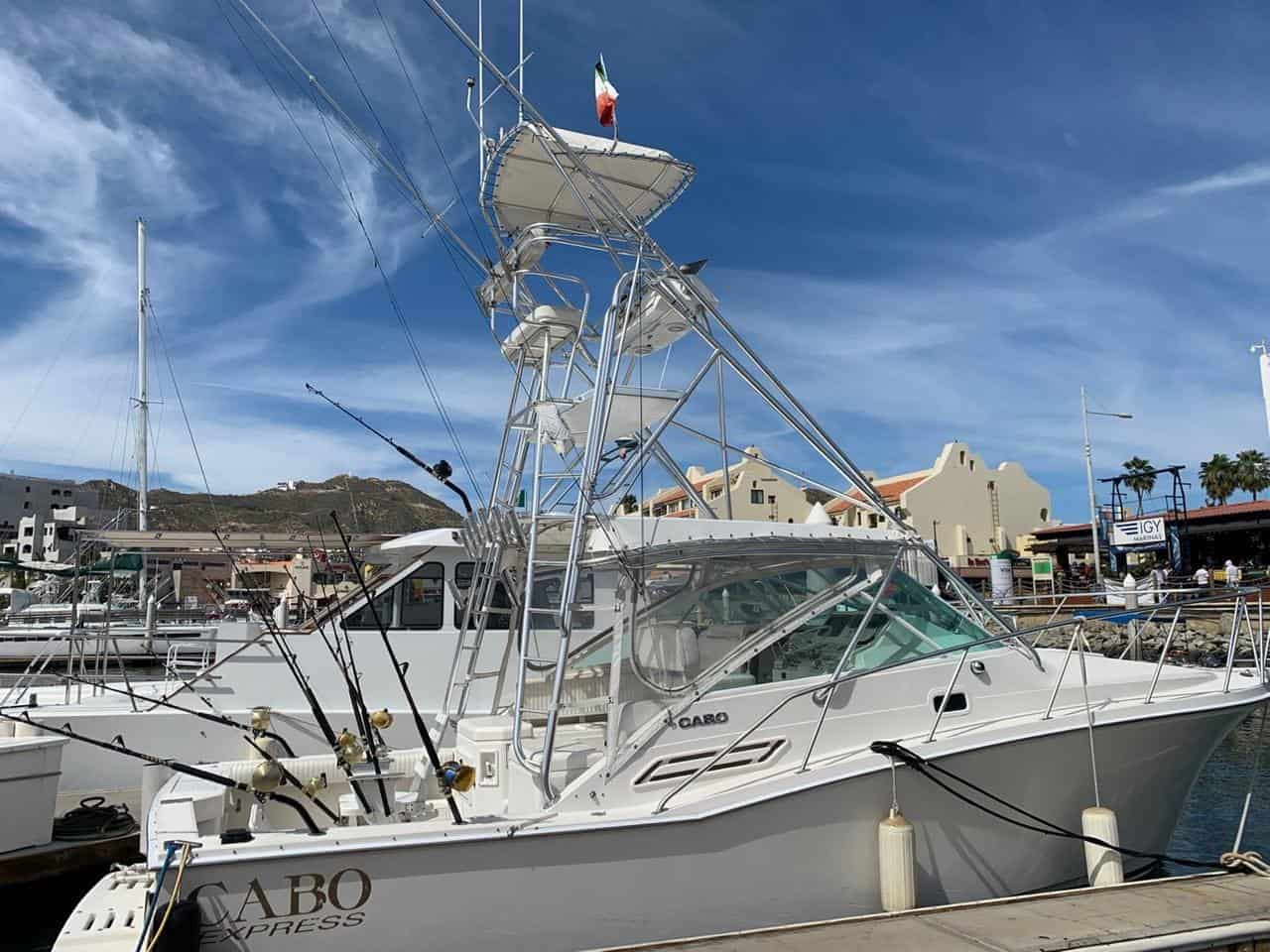 32' Cabo Express